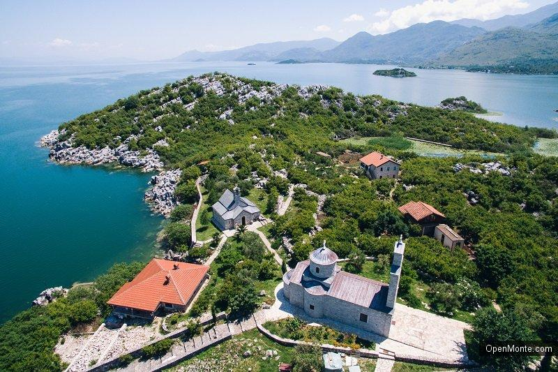 Отдых в Черногории: Прогулка по Скадарскому озеру на парусном катамаране: отличный отдых в Черногории