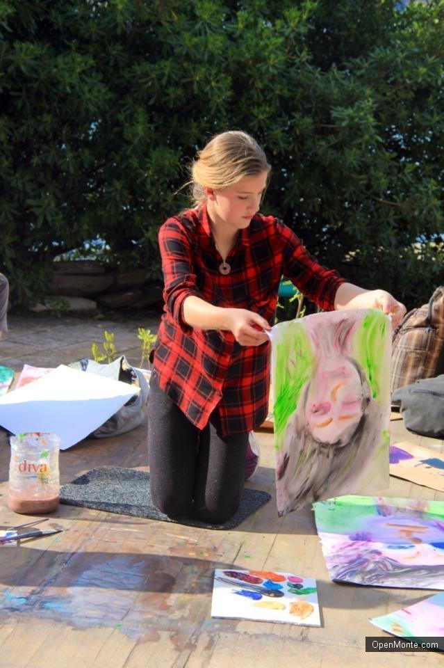 Проживание в Черногории: Воршоп «Рисуем портреты с Жанной Кадыровой» в Доме художника в Которе: фотообзор