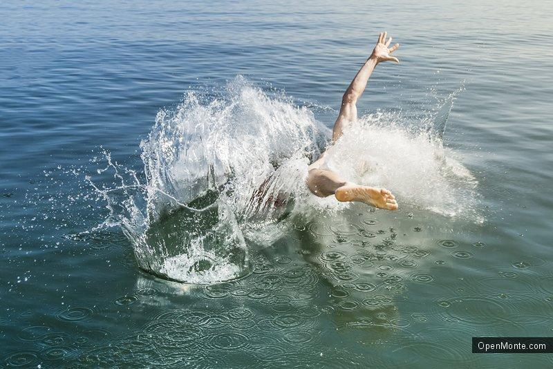 Проживание в Черногории: Как правильно купаться в октябре