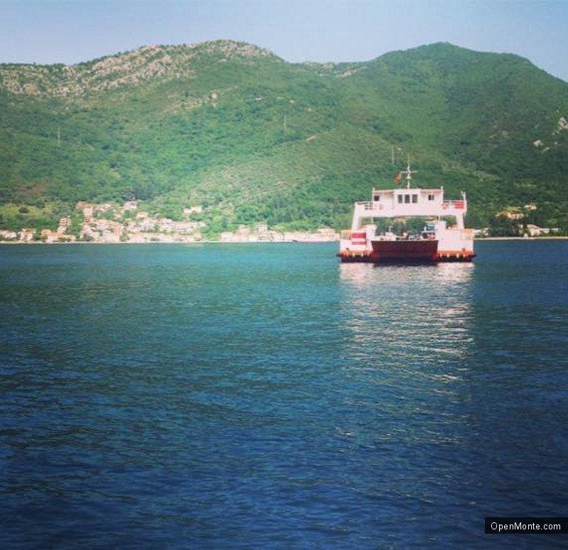 Проживание в Черногории: Паромная переправа Каменари-Лепетане