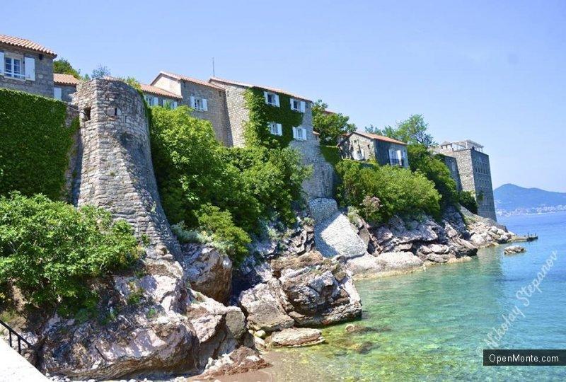 Проживание в Черногории: сделать надо