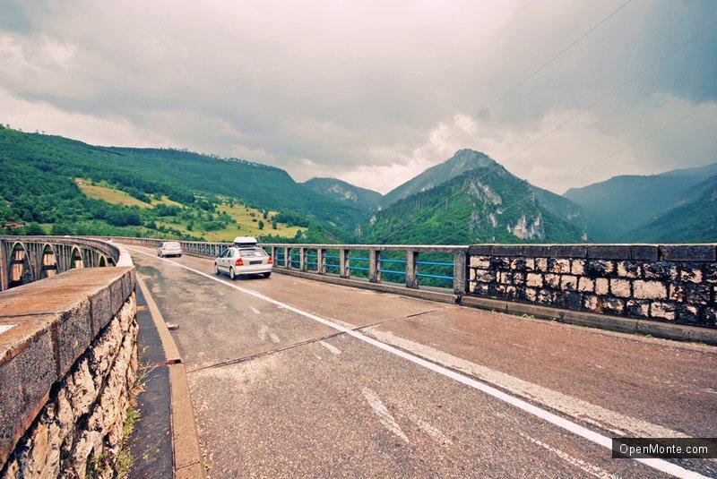 Проживание в Черногории: Особенности движения на дорогах Черногории: делимся опытом и наблюдениями
