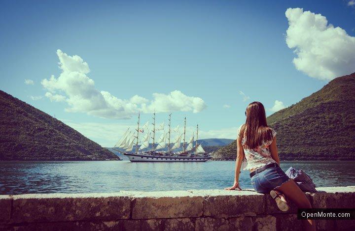 Проживание в Черногории: Дайджест: в ресторане туристам дали счет на 238 евро, в Черногорию прибыла яхта с подводной лодкой на борту