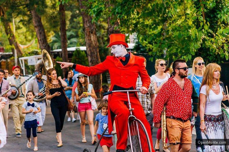 Проживание в Черногории: Фестиваль «Open Sky Montenegro» феерично прошёл в Старой Будве