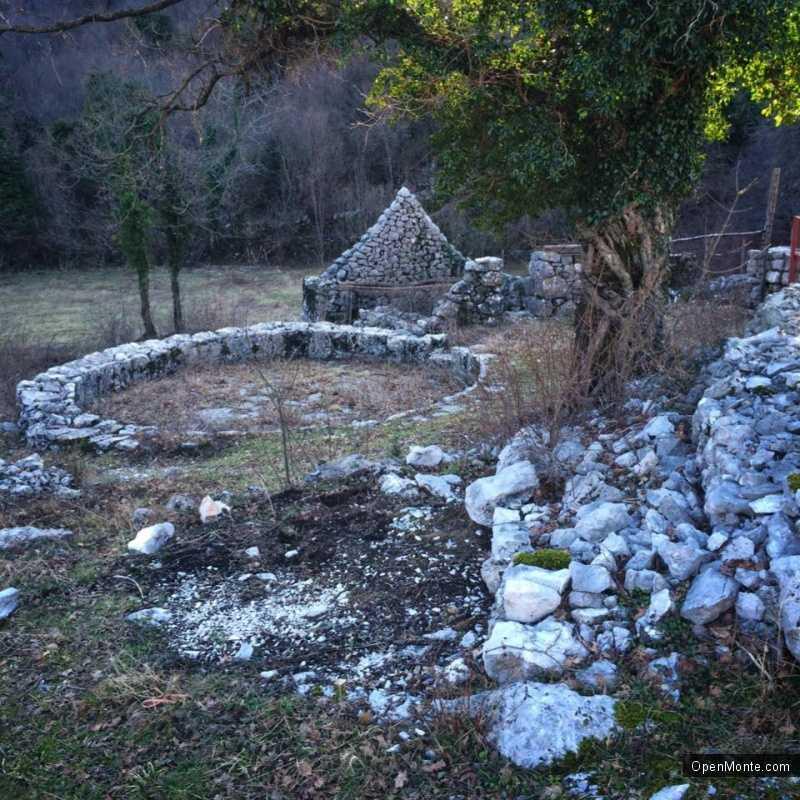 Проживание в Черногории: Новости Черногории: Херцег-Нови - Пераст: реконструкция исторического маршрута эвакуации от турецких завоевателей