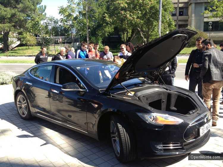 Проживание в Черногории: Электрический автомобиль Tesla S в Черногории: как это было