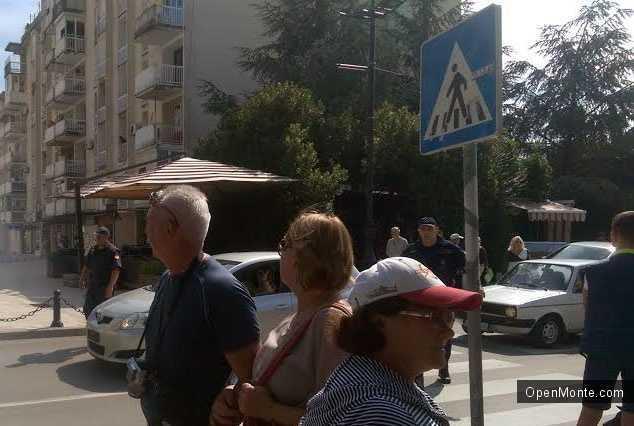 Новости Черногории: Центр Бара оцеплен из-за стрельбы в кафе
