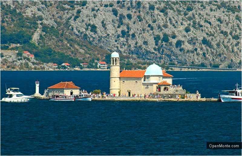 Новости Черногории: Как сегодня отдыхают в Черногории сотни тысяч туристов из разных стран мира