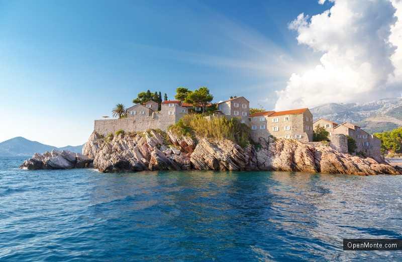 Новости Черногории: Портал Earth Traveling признал остров Свети Стефан одним из самых красивых мест на Балканах
