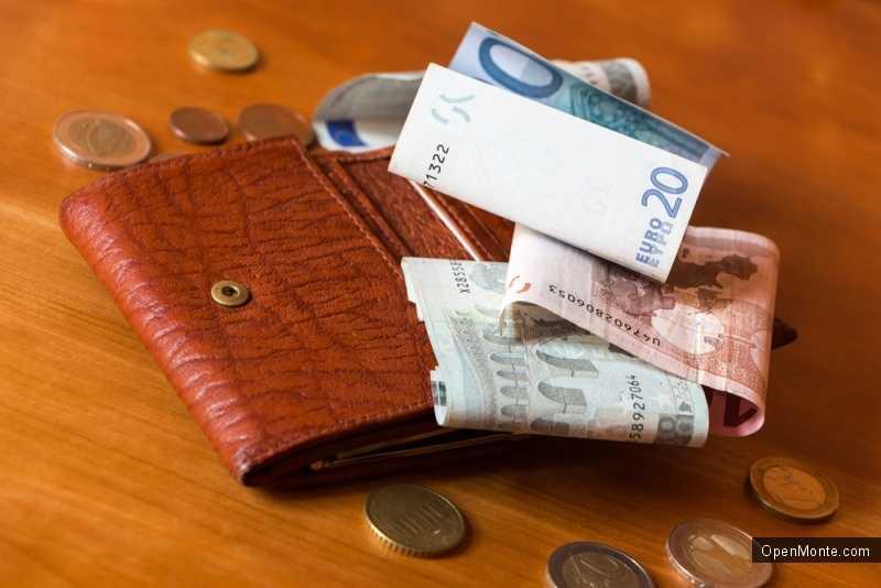 Новости Черногории: Черногорец возвратил россиянину потерянный кошелек