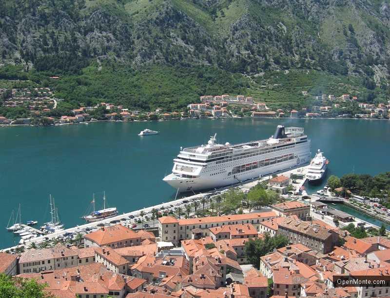 Новости Черногории: Большие туристические лайнеры могут перестать заходить в Котор