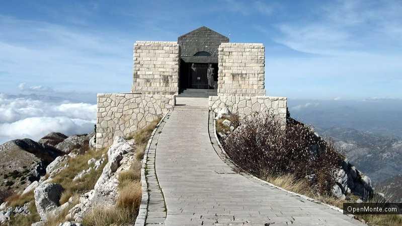Новости Черногории: Мавзолей Негоша на Ловчене отреставрирован