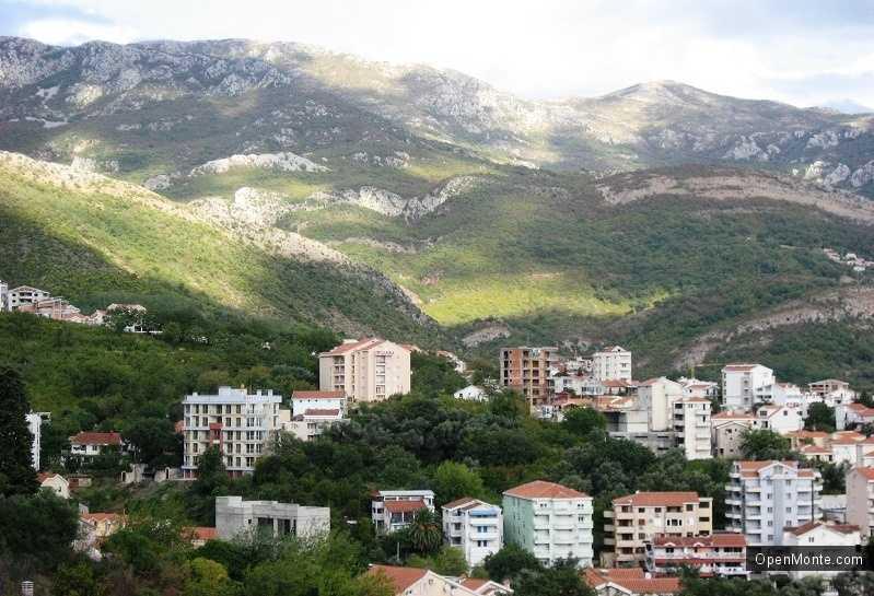 Бизнес в Черногории: Новости Черногории: Итальянцы активно скупают недвижимость в Черногории