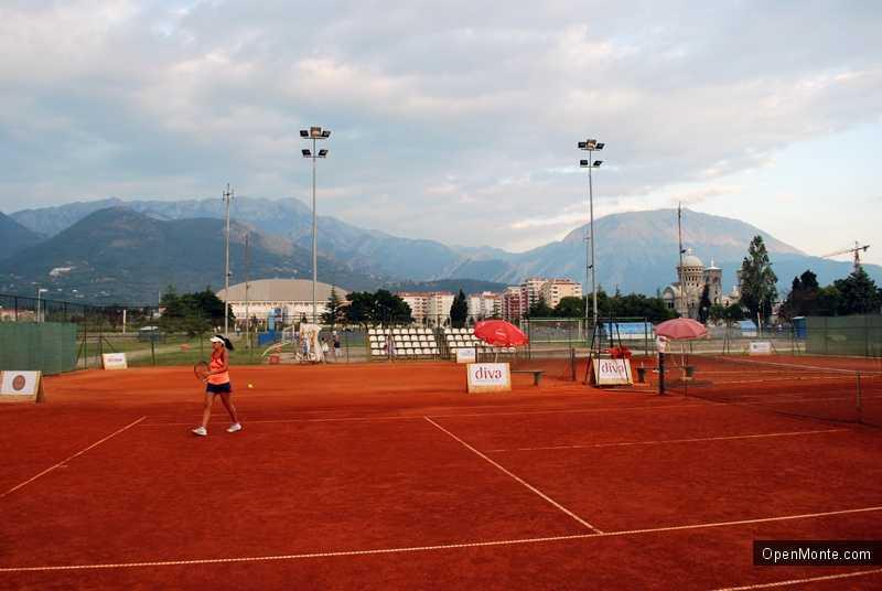 Новости Черногории: Россия участвует в студенческом турнире по теннису в Черногории