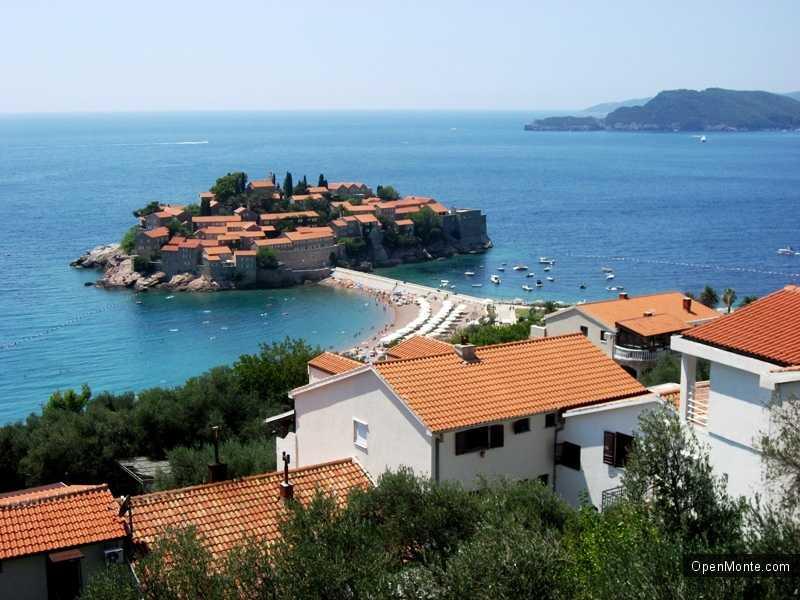 Новости Черногории: Беззаконие на пляже у острова Св.Стефана