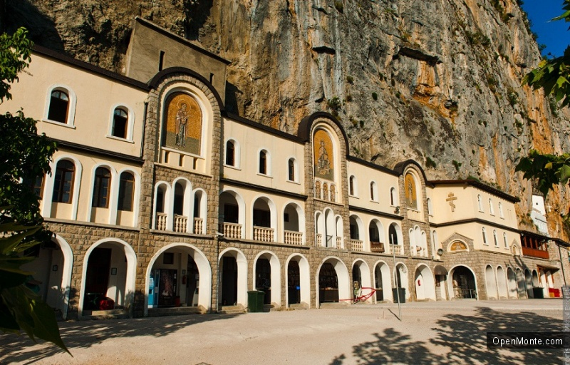 Новости Черногории: Монастырь Острог поврежден обломком скалы