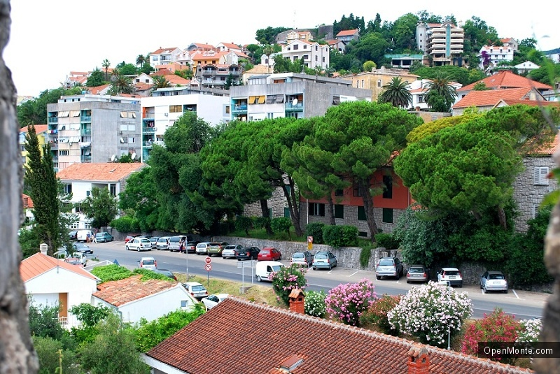О Черногории: фото города Герцег-Нови