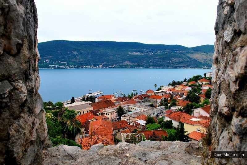 О Черногории: фото - вид из крепости Шпаньола на город Герцег-Нови