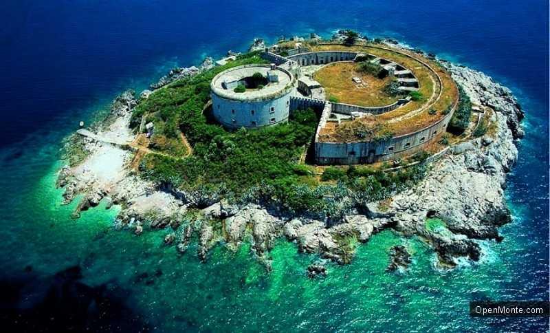 О Черногории: остров-тюрьму Мамула